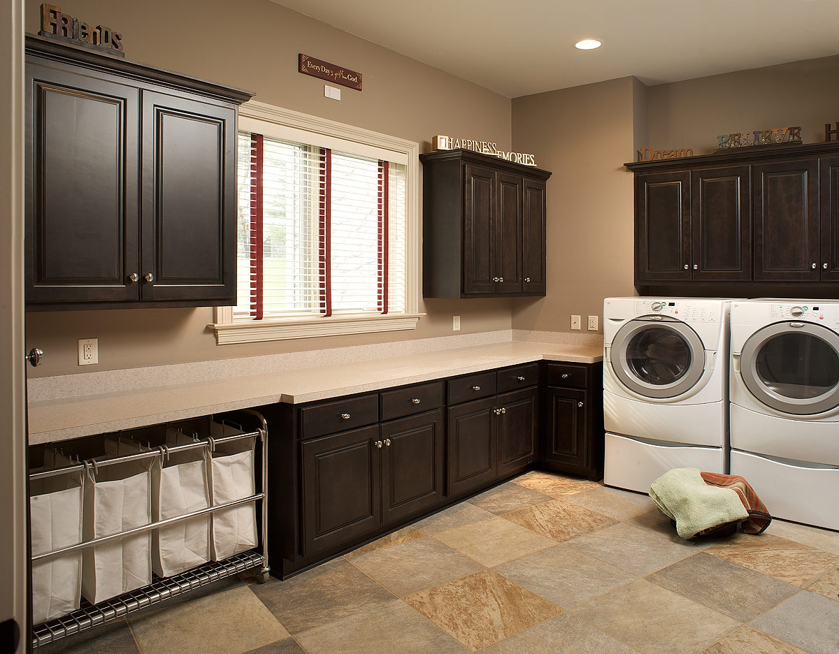 Laundry room avanti closets for Laundry room design ideas